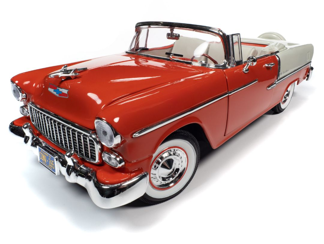 American Muscle 1/18 1955 Chevy Bel Air Convertible -Red & White