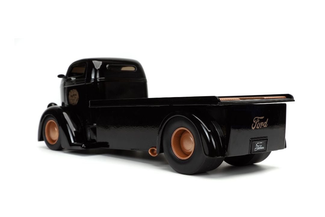 "Jada 1/24 ""Just Trucks"" 1947 Ford COE Flatbed w/ Tire Rack"