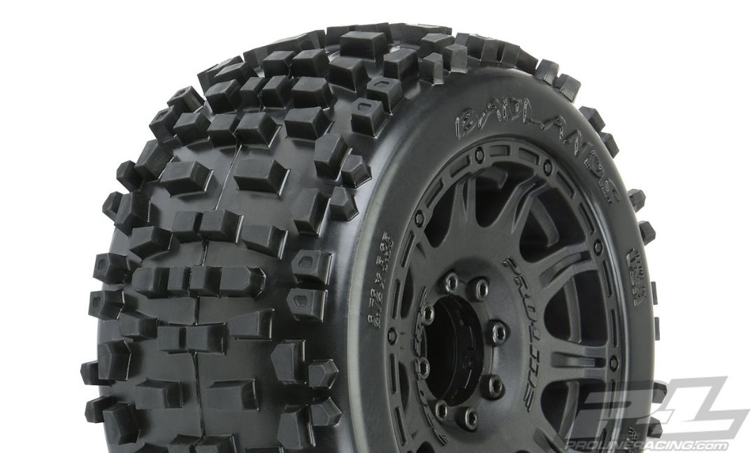 "Pro-Line Badlands 3.8"" MTD Raid 8x32 Wheels 17mm MT F/R"