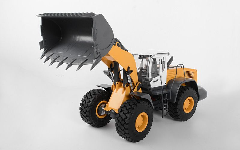 RC4WD 1/14 Scale Earth Mover 870K Hydraulic Wheel Loader w/White Cab