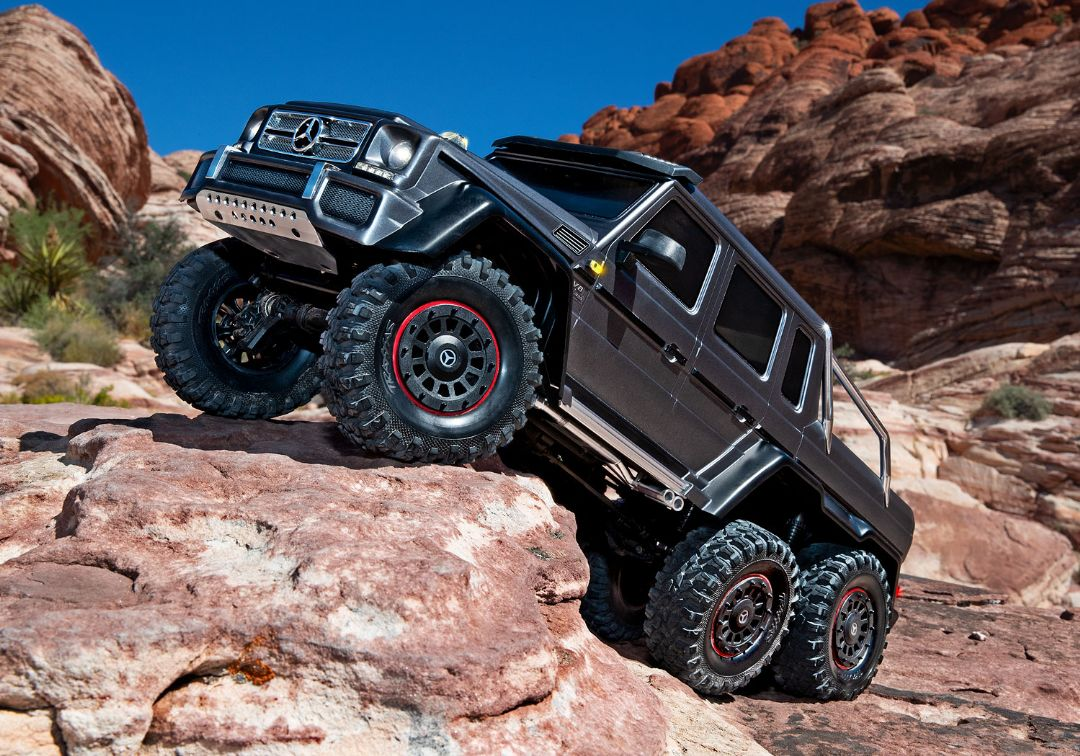 Traxxas Mercedes-Benz G 63 AMG TRX6 6x6 1/10 Crawler - Silver - Click Image to Close