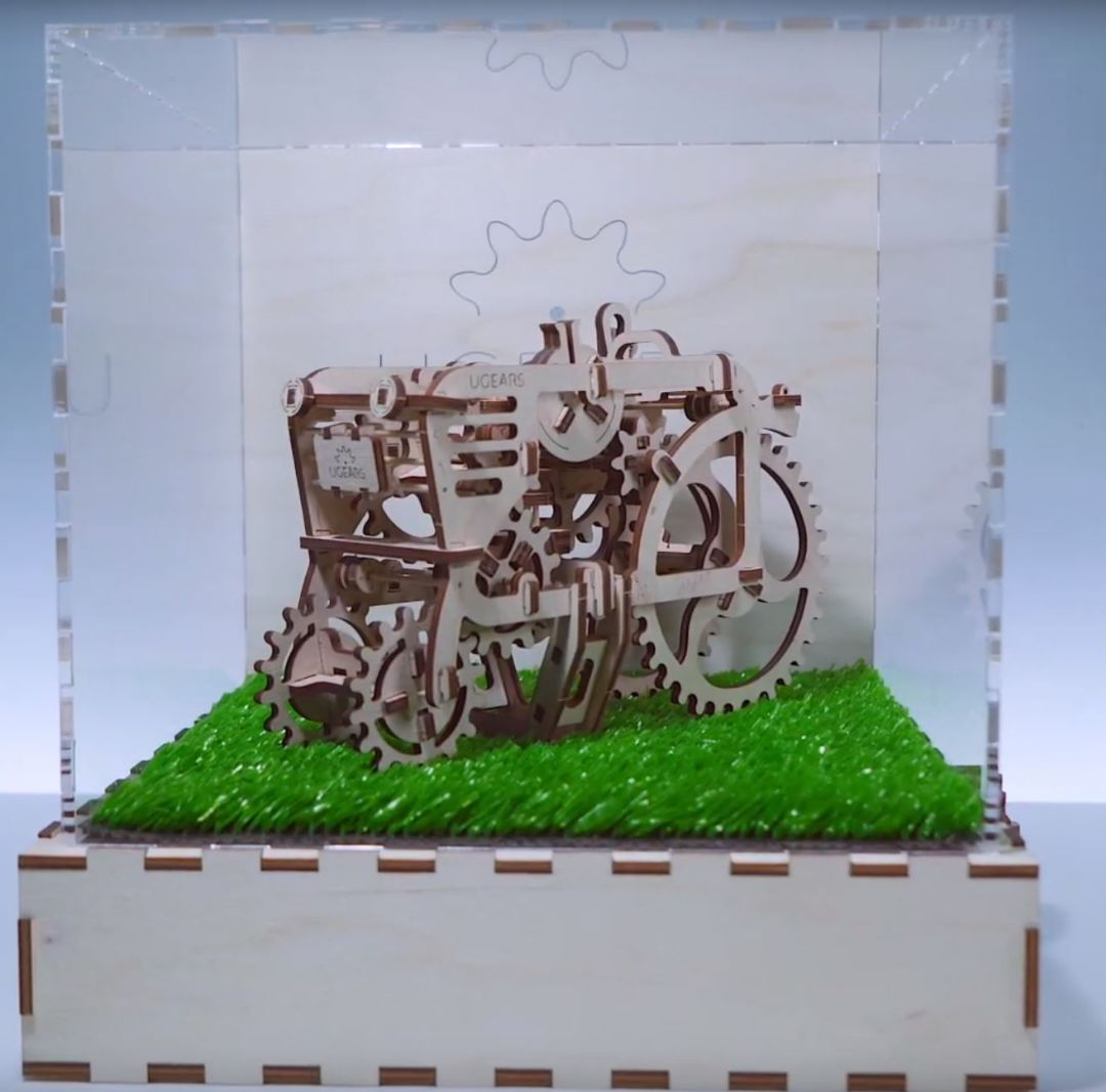 UGears Assembled Demonstration model Tractor with Handle