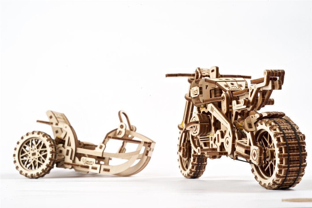 UGears Scrambler UGR-10 with sidecar - 380 pieces - Click Image to Close